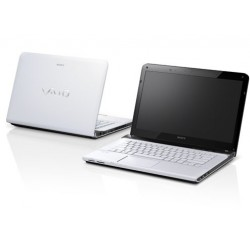 Sony Vaio SVE14132CVW Core i3 Windows 8 14inch 320GB White