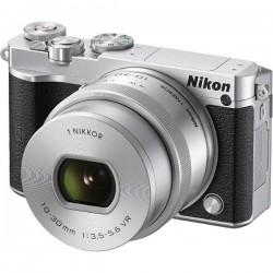 Nikon 1 J5 Zoom lens kit with 10-30 mm Lens